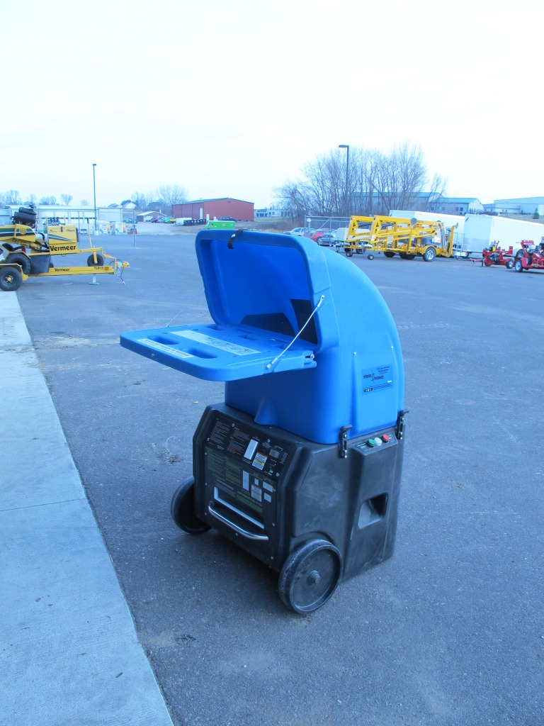 rental 19-1002 Fiberglass insulation blower